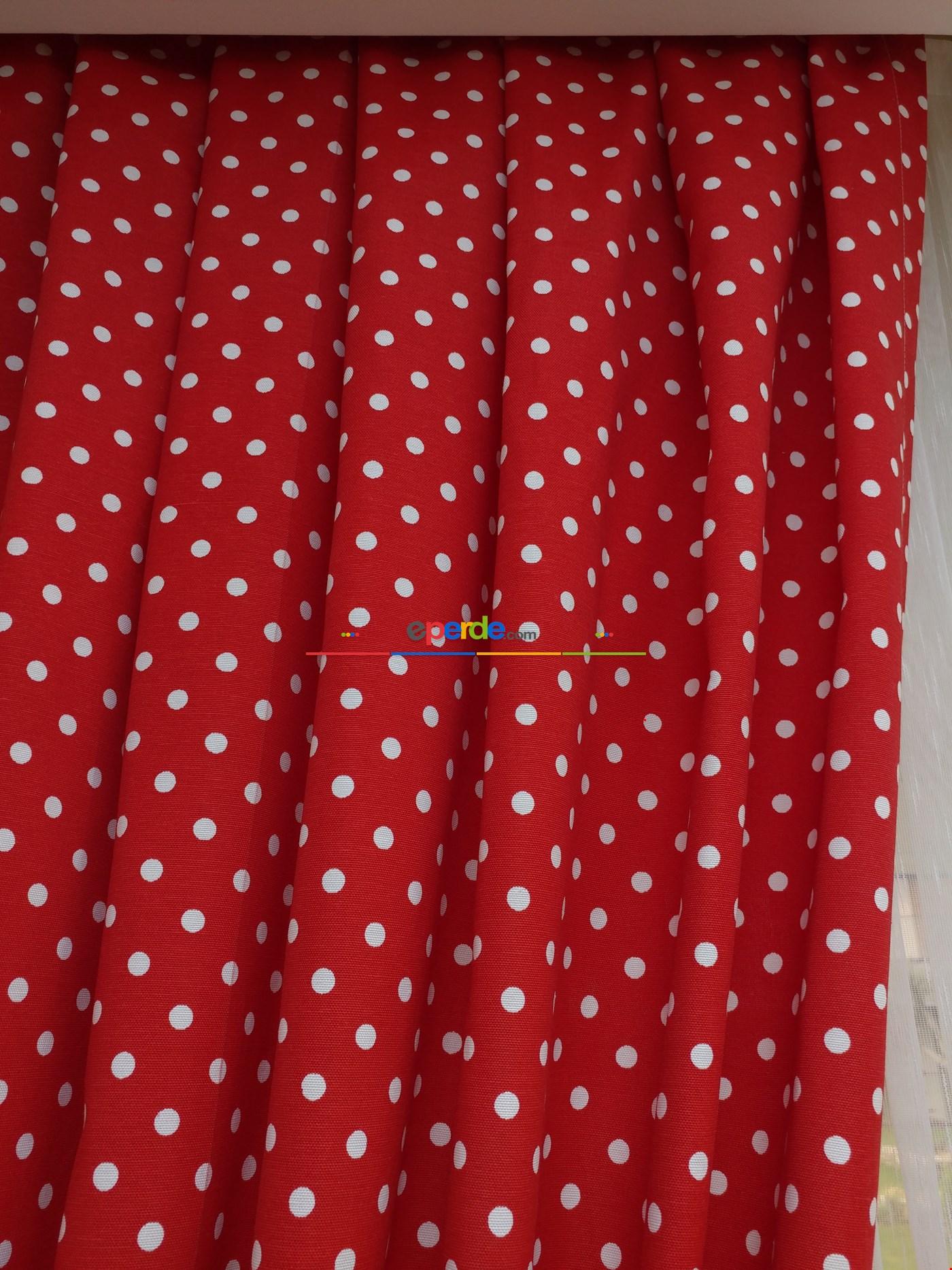Metre İle Dikişsiz Kırmızı Puanlı Fon Perde Kumaşı( Leke Tutmaz)